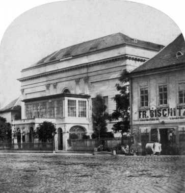 A régi Nemzeti (Pesti Magyar) Színház a Rákóczi út és a Múzeum körút sarkán, 1860-as évek, sztereó felvétel