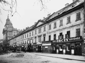 Az Orczy-ház Károly körúti homlokzata